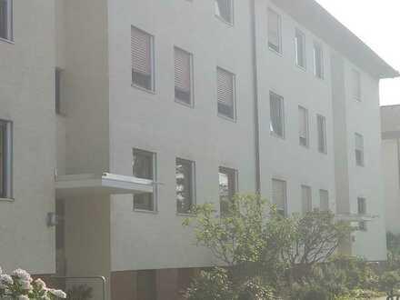 Renovierungsbedürftige, großzügige und helle 3-Zimmerwohnung mit Hobbyraum und Garage
