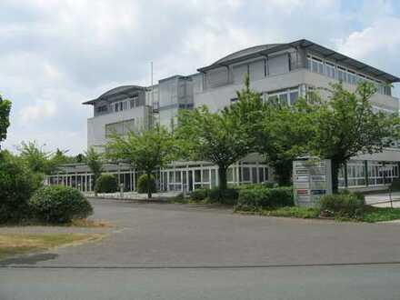 33104 Paderborn, Top Lage, nähe Autobahn, provisionsfrei vom Vermieter,EG, 130 qm und 2. OG 62 qm