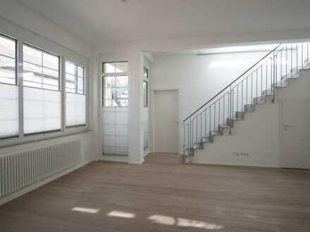 Provisionsfrei: 2-Zimmer-Wohnung in Stuttgart-West mit Loft-Charakter und großer Dachterrasse