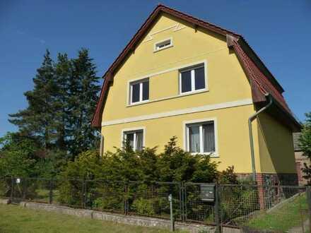 Erstbezug nach Sanierung: freundliche 2-Zimmer-Wohnung mit Einbauküche in Großwoltersdorf