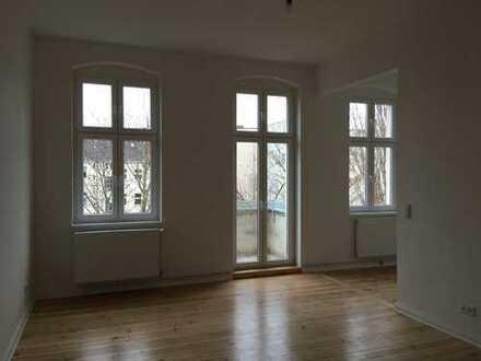 Bild_Erstbezug nach Sanierung - moderner Komfort kombiniert mit Altbau-Charme