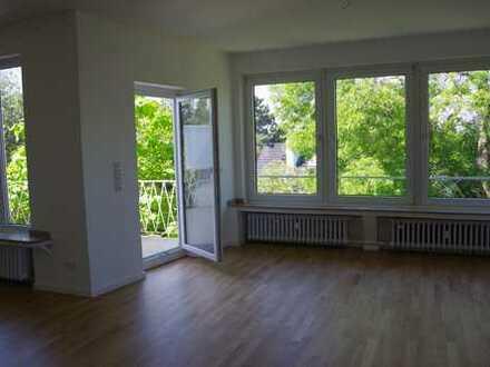 Erstbezug nach Sanierung: Dreieinhalb-Zimmerwohnung/Balkon in gepflegtem 4-Familienhaus in Toplage