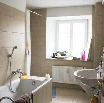 Zimmer in schöner 70qm-2er-WG, Dauer- oder Zwischenmiete, möbliert, mit Balkon, zentral
