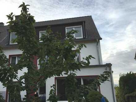 Bo.-Riemke: 4-Fam.-Haus mit 3 Garagen... zur Vermietung und / oder Selbstnutzung