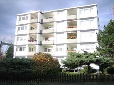 Helle 3-Zimmerwohnung, Balkon, Aufzug. Saniert, bezugsfrei, in Köln-Rondorf