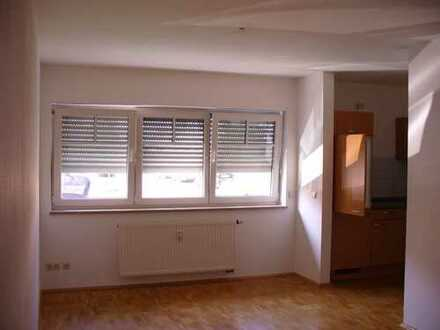 Schöne 1-Zimmer-Wohnung mit Einbauküche in Manching