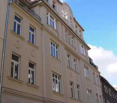 Schicke 4-Zimmer-Wohnung im absoluten Zentrum (WG-geeignet)