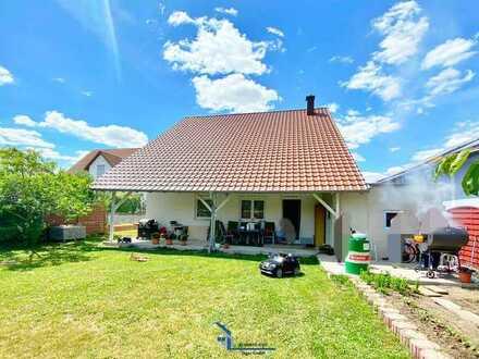 Neuwertiges Einfamilienhaus mit großem Garten in sehr guter Lage