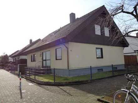 Naturnah gelegenes 1-2 Fam.-Haus 76189 Karlsruhe-Grünwinkel