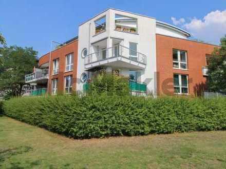 Traumwohnung in Bestlage: Renovierte 2-Zi.-ETW mit Balkon und freiem Seeblick