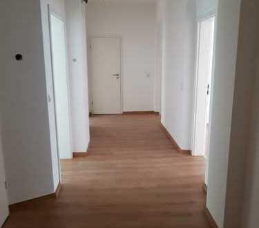 Top sanierte 3-Zimmer Wohnung / Gewerberaum * Ab sofort frei*