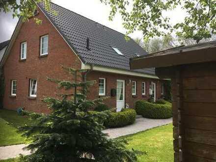 Schöne neuwertige Doppelhaushälfte , ruhig und gepflegt in Morsum auf Sylt .