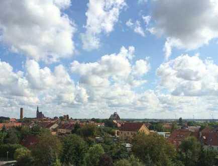 2-Raum-Wohnung mit traumhaftem Panoramablick über die Elbauen und die Altstadt