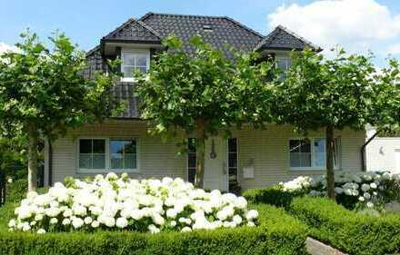 Wunderschönes freistehendes Einfamilienhaus mit Garten sofort bezugsfertig PROVISIONFREI