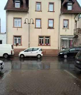 Gepflegte 5-Zimmer-Wohnung mit Balkon und Einbauküche in Bad Homburg Kirdorf