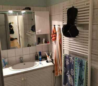 Zimmer in netter, großer 114 m² 3er-WG