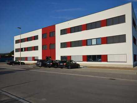 2 Gewerbeeinheiten Baujahr 2017, ab 140 m² bis 300 m², als Büro-Kanzlei ect., mit Panoramablick