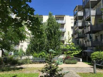 Seniorenresidenz am Feuerbach: Helle 2-Zimmer Wohnung mit Einbauküche