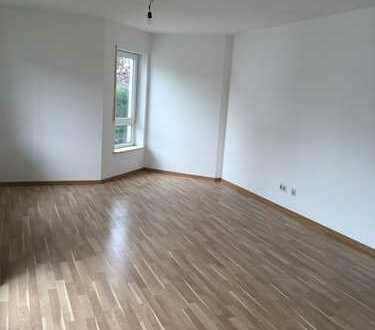 Erstbezug nach Sanierung mit Einbauküche und Balkon: freundliche 3-Zimmer-Wohnung in Engstingen