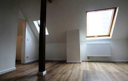 Erstbezug nach Sanierung: Sehr schöne Maisonette Wohnung 4 Zimmer in zentraler Lage