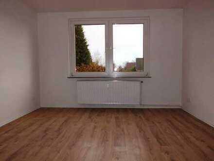 Super Angebot ! Top sanierte Wohnung im Erdgeschoss mit Balkon !