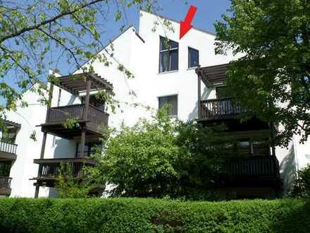 Gepflegte, helle 2-Zimmer-Dachgeschoss-Wohnung in sehr ruhiger Wohnanlage
