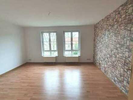 Helle und geräumige 3 Zimmer Wohnung in Berga/Elster