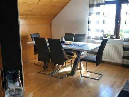 Gepflegte Maisonette-Wohnung mit vier Zimmern sowie Balkon und Einbauküche in Frankenthal (Pfalz)