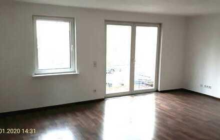 Wunderschöne 2- Raumwohnung mit Balkon-*Besichtigung 0152/ 34349076