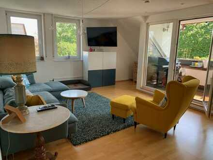 3-Zimmer-Maisonette-Wohnung mit Balkon und EBK in Bonn