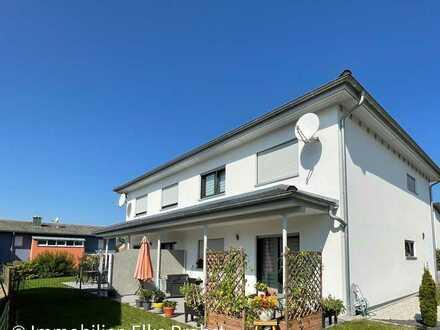 Neuwertige Doppelhaushälfte mit Garage und Garten in Irchenrieth