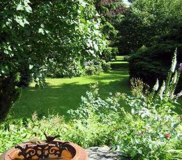 Am Wald u. stadtnah, ansprechende Wohnung mit Gartenterrasse