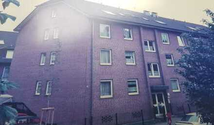 Gepflegte 2,5-Zimmer-DG-Wohnung mit Balkon in Duisburg