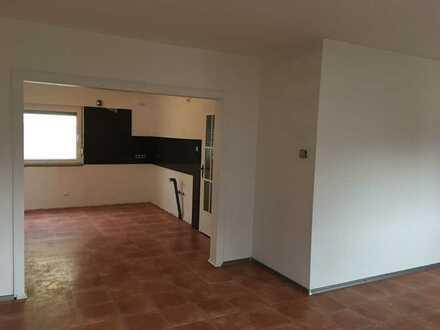 * Doppelhaushälfte* 3-Zi-Haus auf 2 Etagen in Niedernhausen *