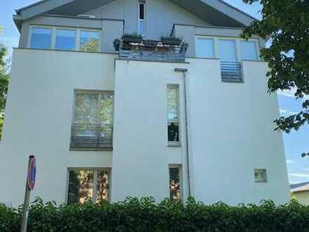 Ideal als Kapitalanlage- Vermietete Maisonette-Wohnung mit Balkon in Babelsberg Provisionfrei