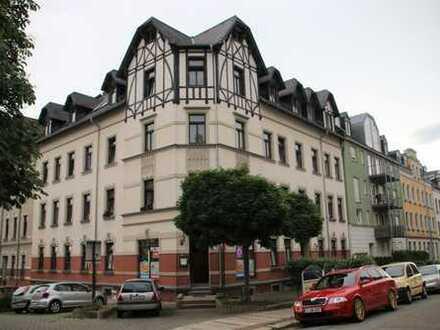 ** 3,5 Raum DG-Maisonette / ca. 83 m² / Süd-West-Terrasse / TG-Stellplatz / EBK / frei werdend **
