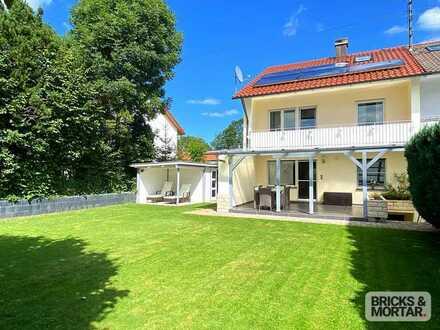 Großzügige Doppelhaushälfte mit schönem Garten in Lauben