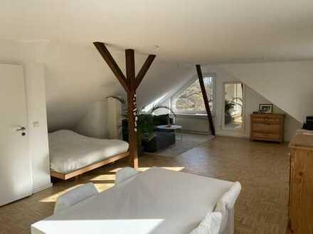Helle und großzügige offene Wohnung in ruhiger, grüner & citynaher Lage! 5 Min. Hbf!