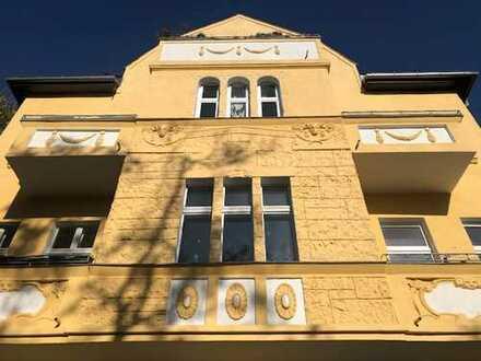 Ihre neue Gewerbefläche! Sonniges Erdgeschoss in repräsentativer VILLA! 6 Räume! 2 Eingänge! KELLER!