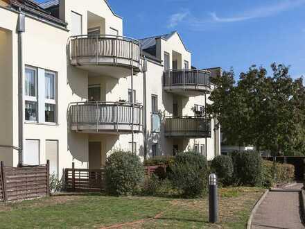 sonnige 2-Zimmer-Wohnung mit großer Südterrasse und Tiefgarage in grüner Ruhiglage