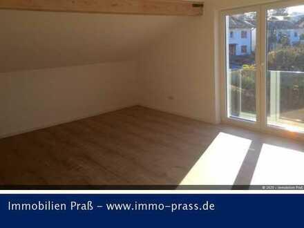 Wunderschöne, helle DG Wohnung in ruhiger Lage von Monzingen