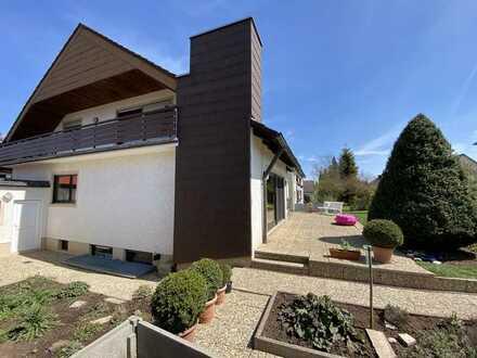 Provisionsfrei! Familientraum in Langenzenn - 2-Familienhaus mit Terrasse und Garten ~ Doppelgarage