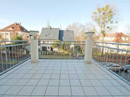 Schöne 3-R.-W. * Balkon * EBk * Badewanne und Dusche * Gäste-WC * Stellplatz * Großer Garten