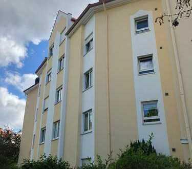 **Schöne 3 Zimmer Wohnung inkl. TG-Platz und Kamin**