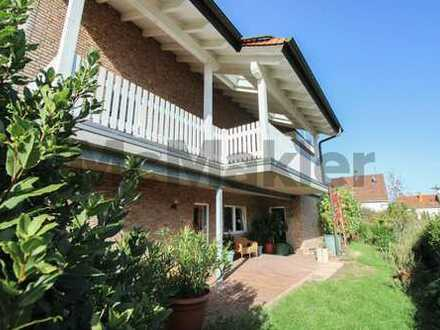 Gehobenes Wohnhaus mit 3 WE, Sauna und tollen Außenbereichen an der Weinstraße