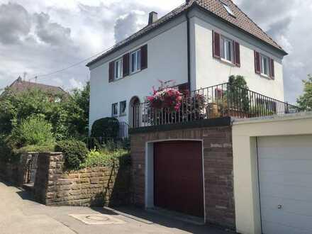 Freistehendes Einfamilienhaus mit sieben Zimmern und EBK in Sindelfingen