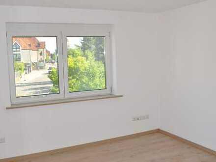 Erstbezug nach Komplettsanierung! Attraktive 3-Zimmerwohnung in gepflegter DHH (3 Wohnungen)