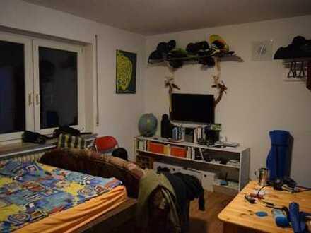 Möbliertes Zimmer 20m² in zentrumsnaher 3er WG am Neckar zur Zwischenmiete