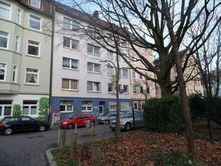 Ein Nest unterm Dach!!!! Zentral gelegene Single-Wohnung zu vermieten.