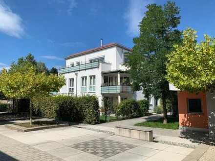 KNIPFER IMMOBILIEN - Neuwertige Gartenwohnung in einer ruhigen und gepflegten Anlage in Taufkirchen!
